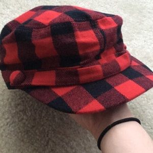 Black and Red d&y Mod Hat